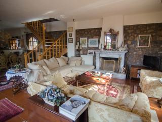 Elegant stone built house -Casa Bella