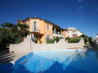 TH00113 Apartments Fiorido / Gold A8, Medulin