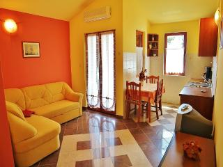 TH00218 Apartments Mira / One bedroom A8, Banjole
