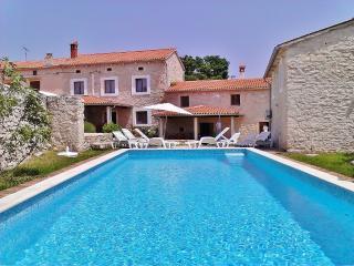 TH00250 Istrian Villa Slivar