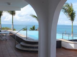 Aqualina - Infinity Pool with Coastline Views, Isla de Vieques