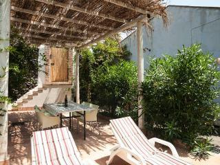 Acireale-Santa Caterina-bilocale in giardino