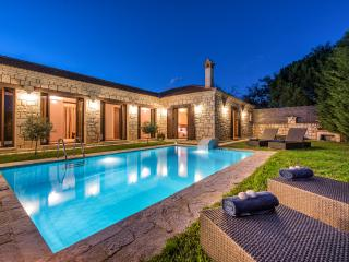 Astarte Villas - Kyveli Luxurious Private Villa, Zakynthos Town