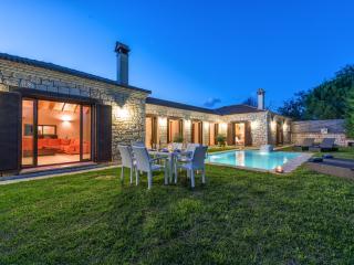 Astarte Villas - Kyveli Villa - Exterior
