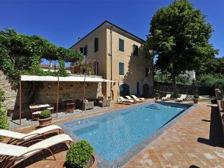 luxury villa near Volterra