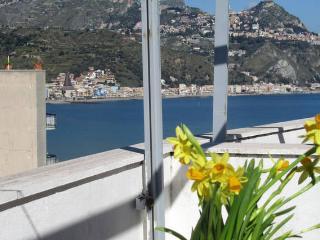Giardini Naxos-Rosal-monolocale comfort
