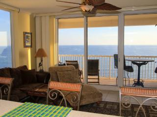Best value - beach front condo, pools, & free wifi, Panama City Beach