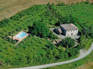 villa giulione, with swimming pool, quiet location, Trevinano