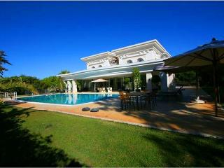 Stunning 6 Bedroom Villa with Gym-L615