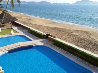 Perfect 3bd Beachfront Condo, 3rd FLR w oceanview!, Manzanillo