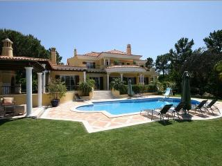 Stunning 6 Bed Villa-DM01