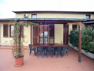 casa vacanze l'ulivo spendida casa soleggiata, Montopoli in Val d'Arno