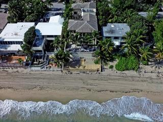 Malibu Mansion.. House direct on the beach!, Fort Lauderdale