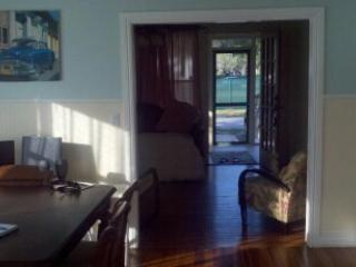 dining room thru to front porch