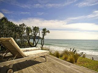 The Breakers - Whangapoua Executive Holiday Home