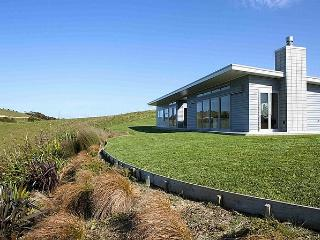 The Perfect Degree - Sandy Bay Modern Holiday Home, Matapouri