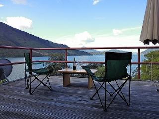 The Fo'c'sle - Moetapu Bay Holiday Home, Linkwater