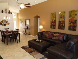 5 miles Disney-4br/3ba Pool Villa, 2 master suites, Four Corners