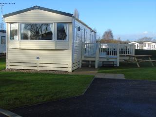 Lake View Lets-Superior Caravan Tattershall Lakes