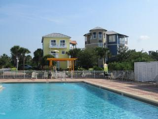 GOOD DAY SUNSHINE - 3 STORY / BEDROOM SLEEPS 6