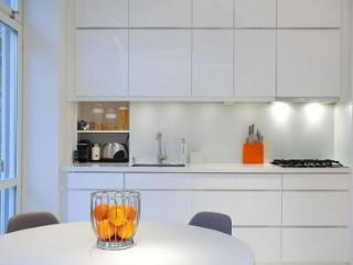 Modern and white apartment in the center of Stockholm - 4814, Estocolmo