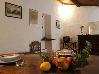 CHARMING APARTMENT IN ORBETELLO HISTORICAL CENTRE!, Ansedonia
