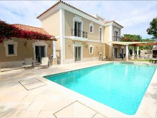4 Bed Villa with Heated Pool-T107