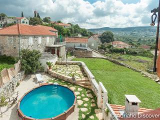 Charming island house, Donji Humac