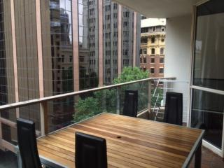 2 Bedroom Apartment 5 mins from Circular Quay