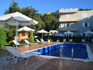 Studio Apartments in Villa Florika with Pool - 104, Borsh
