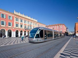 2 bedroom apartment in Nice Old Town, sleeps 4