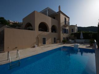 Villa Zoe, Spetses Town