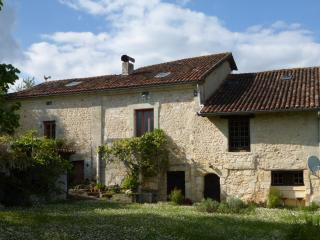 Le Figuier farmhouse holiday rental near Brantôme