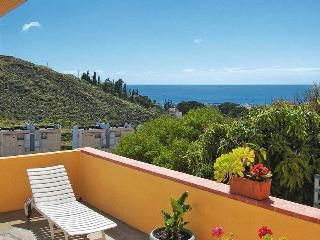 Two Bedroom House, Just 800 Metres To Las Teresita