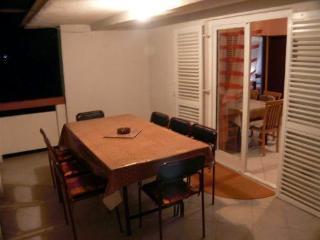 Three bedroom apartment in Vir