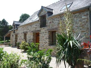 Parc de Lutin's holiday cottage: Owl Cottage, Reguiny