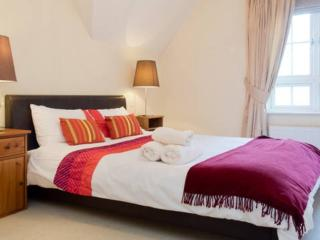 luxury watford 2 bedroom apartment, Watford