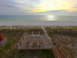 **MEMORIAL WEEK AVAILABLE!! Luxury Beachfront Home, Walk to Pier Park, Sleeps 16