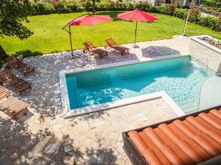 Villa Alma, with swimming pool in beautiful Istria