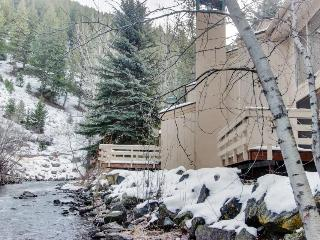 Waterfront home w/ shared hot tub & pool - one-minute walk to ski lifts!, Ketchum