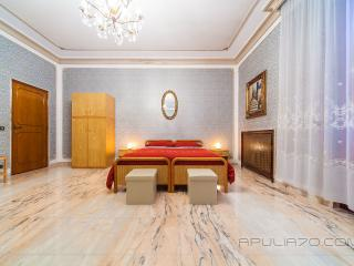 Apulia 70 - DELUXE SUITE with Private Ensuite Bathroom