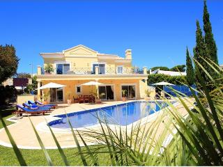 4 Bed Villa with Heated Pool-H306