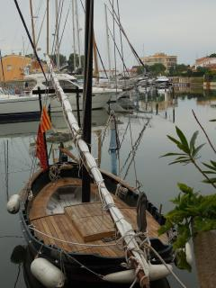Catalan  boat latin sail rigged