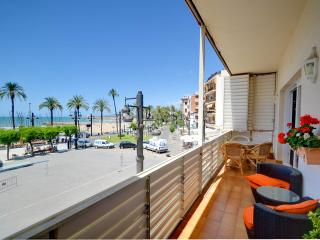 SEA FRONT APARTMENT, Sitges