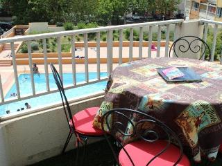 Stylish Studio+ Bunkbed Apart - Pool  & Port Views, Cap-d'Agde