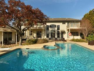 4BR/5BA Majestic Luxury Home with Panoramic Views of Lake Austin, Sleeps 14