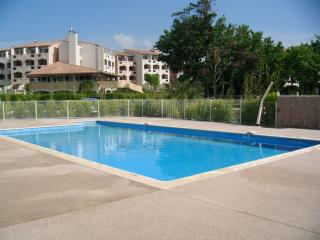 Stylish 1 Bed Apart + Pool + Parking in Cap d'Agde