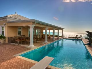 Three Dolphins Beachfront Tennis Villa/rent 4-12 bedrooms, Long Bay Beach