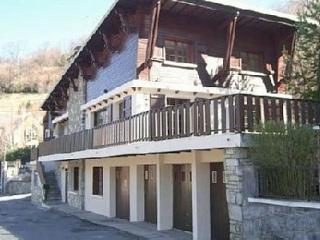 Beautiful Pyrenean chalet sleeps 2-18 over 3 floor