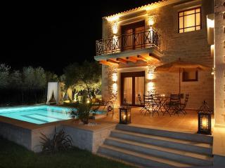 Villa Alea - Luxurious in a rural area, sea view!, Stavromenos